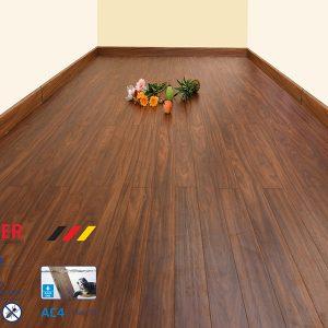 Sàn gỗ Morser MS 106 cốt xanh (dày 12mm)