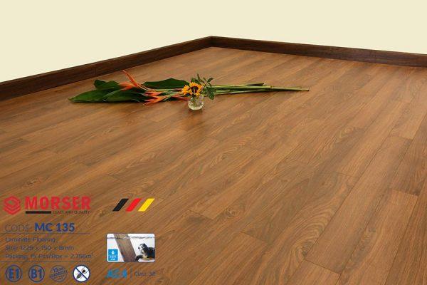 Sàn gỗ Morser 8mm cốt xanh MC135