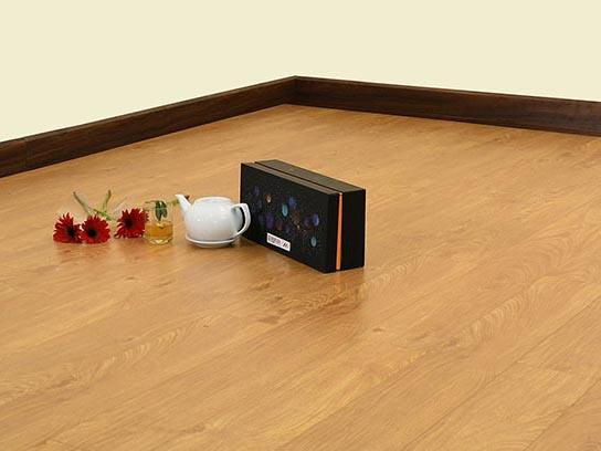 Sàn gỗ Morser dày 8mm cốt xanh MC134 chính hãng